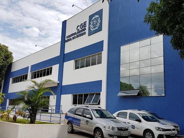 CGE processa 121 empresas por inexecução contratual e corrupção