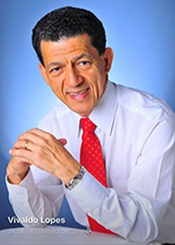 Vivaldo Lopes