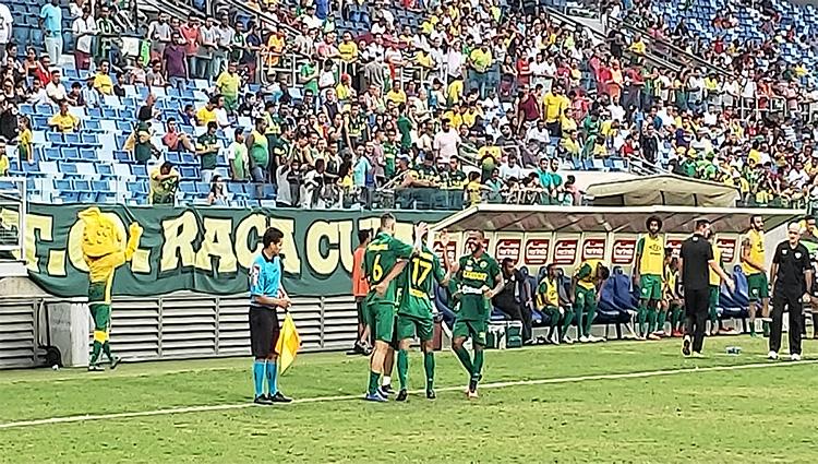 Com disputa sadia entre meio e ataque pela artilharia Cuiabá goleia o Joinville
