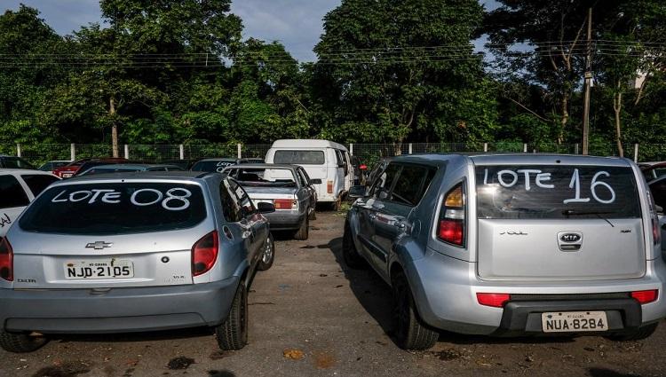 Lotes de carros do Detran